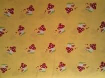 Glückspilze in gelb (tante ema Stoffe) / 15,- pro lfm/ 100% CO