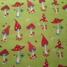 Glückspilze in grün (tante ema Stoffe) / 15,- pro lfm/ 100% CO
